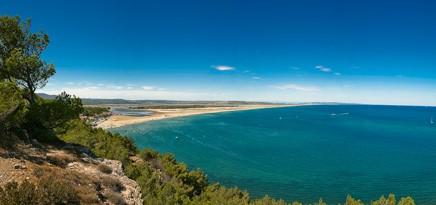 Plage de Leucate-La Franqui, haut lieu du kite-surf